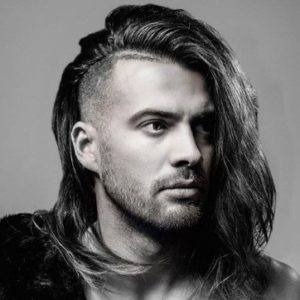 Cool hairstyles for guys with medium hair 2