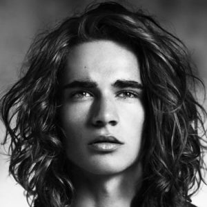 Cool hairstyles for guys with medium hair
