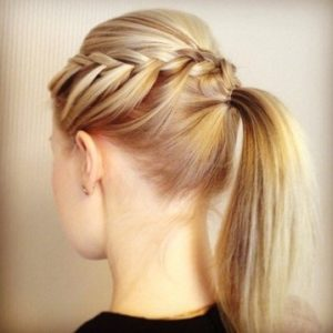 Easy and cool hairstyles for girls with medium hair 2