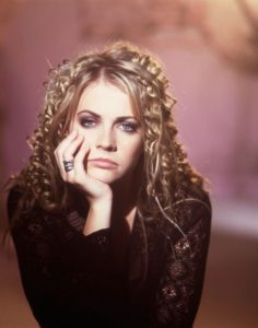 Most popular 90's Hairstyles for women 3