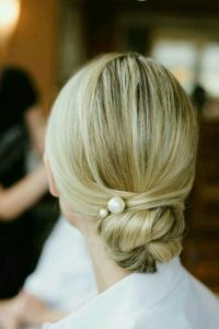 Bridesmaids' hairstyles for medium length hair