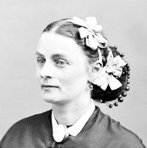 Victorian Hairstyles for medium leght b&w