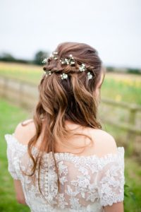 medieval hairstyles with flowers