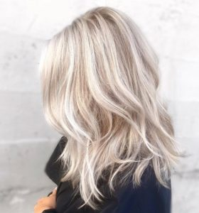 well-suited blonde hairstyle